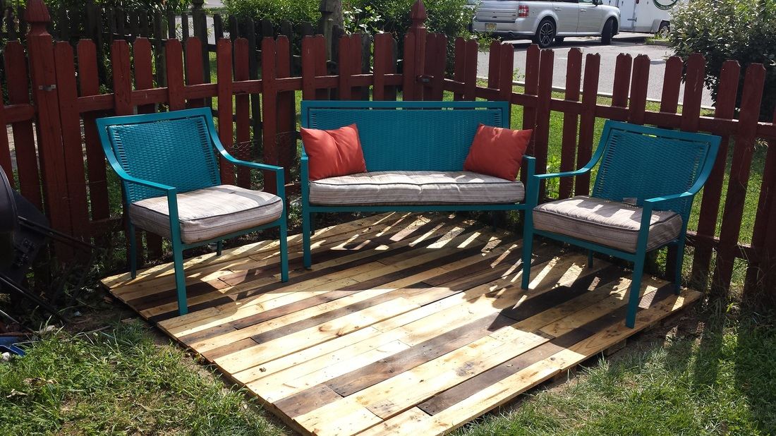 Super Outdoor Pallet Wood Floating Deck Painted Karma Bralicious Painted Fabric Chair Ideas Braliciousco